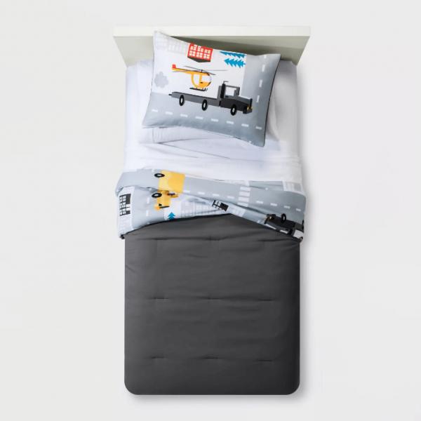 Leyendary Lanes comforter